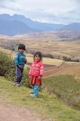 Enfants pres de Maras et Maray